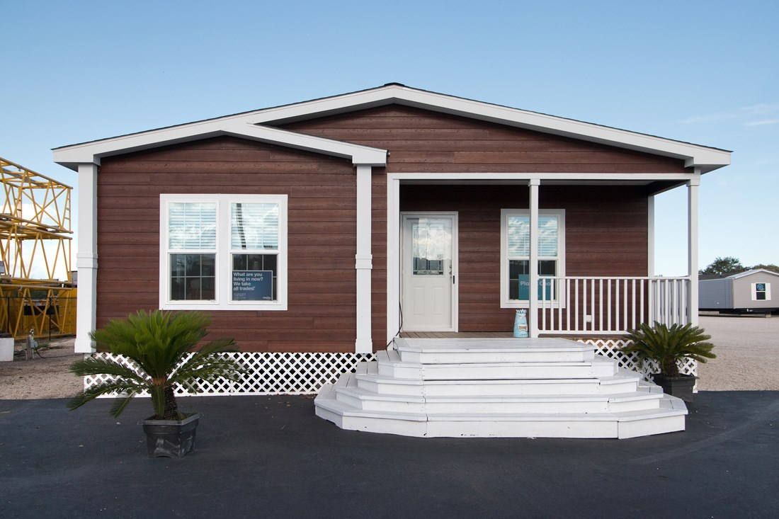 The THE MCILROY Exterior. This Manufactured Mobile Home features 3 bedrooms and 2 baths.